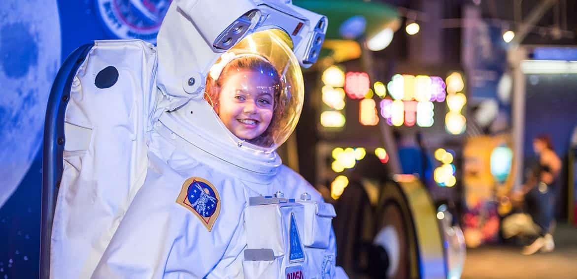 Wonder-Works-KGS-Tickets-Orlando-Space Suit